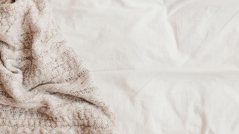 mattress protector and bedsheets